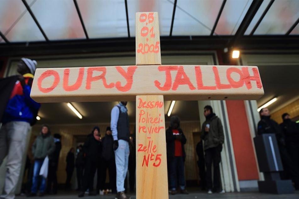 Die im Raum stehende Kritik, die Staatsanwaltschaft verschleppe das Verfahren, wies die Generalstaatsanwaltschaft Naumburg zurück.
