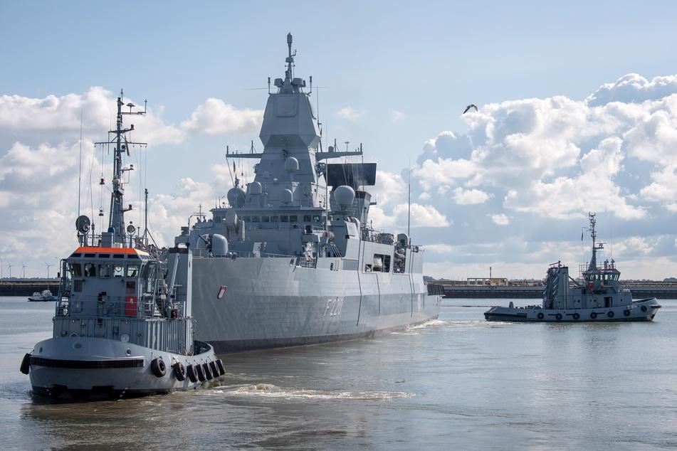 """Kriegsschiff """"Hamburg"""" zu Libyen-Einsatz ausgelaufen"""