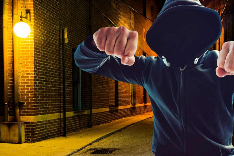 Brutale Räuber schlagen erst zu und geben dann die geklaute Geldbörse zurück
