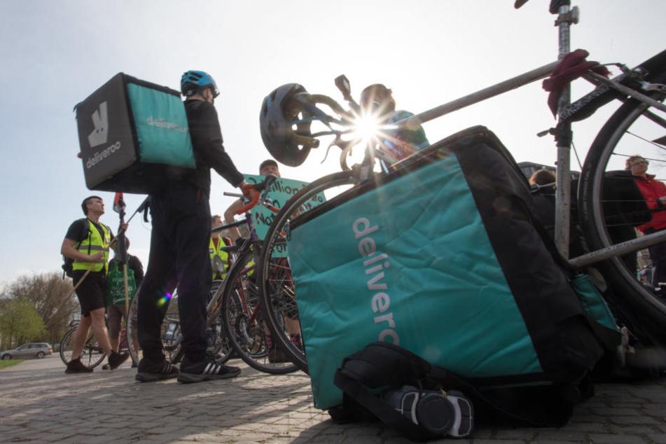 Am Freitag protestierten Fahrer von Deliveroo für bessere Arbeutsbedingungen.