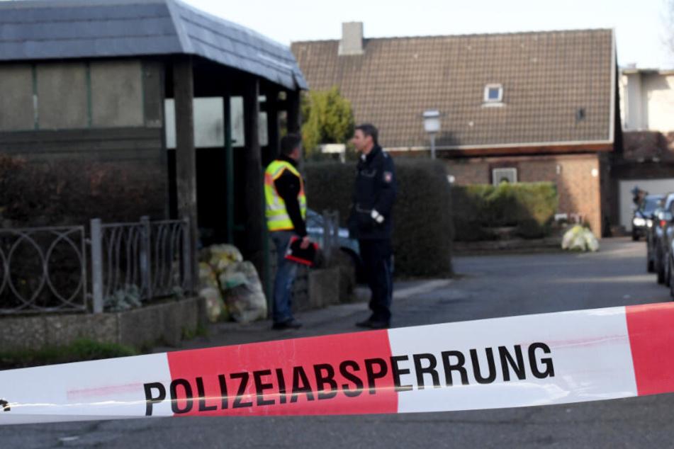 Die Polizei sperrte die Umgebung nach dem Mord ab.