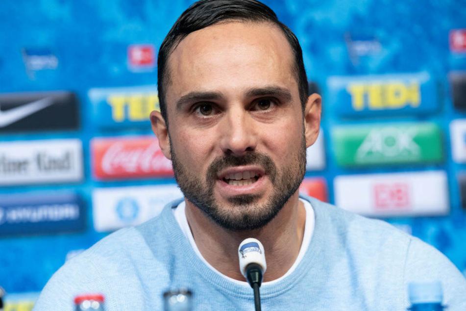 Alexander Nouri spricht auf der Pressekonferenz vor dem wichtigen Spiel gegen den SC Paderborn.