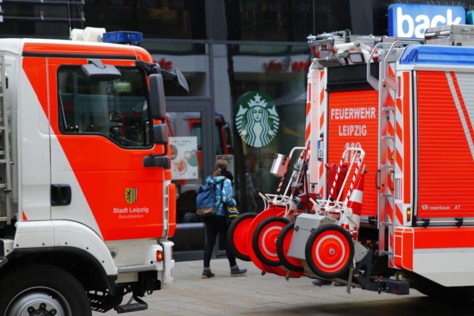 Gefahrgut-Einsatz in Leipziger Starbucks-Filiale