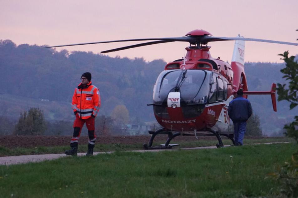 Ein Mensch kam per Rettungshubschrauber ins Krankenhaus.