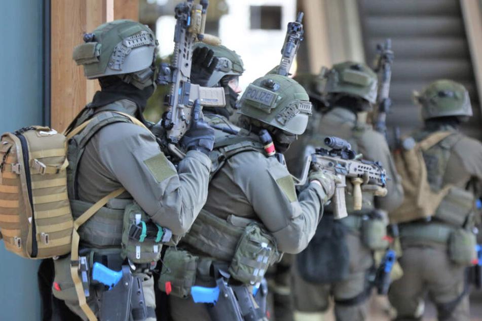 In Mannheim proben Behörden den Ernstfall eines Bio-Waffen-Anschlags. (Symbolbild)