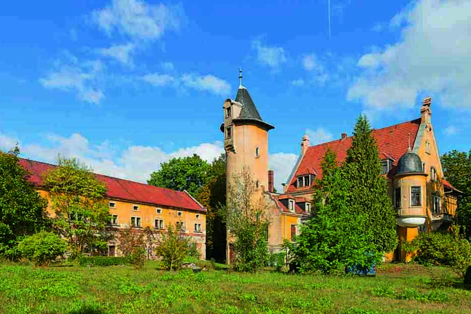 295.000 Euro Mindestgebot: Wer ersteigert das schmucke Schloss Schmorkau nahe  Kamenz?
