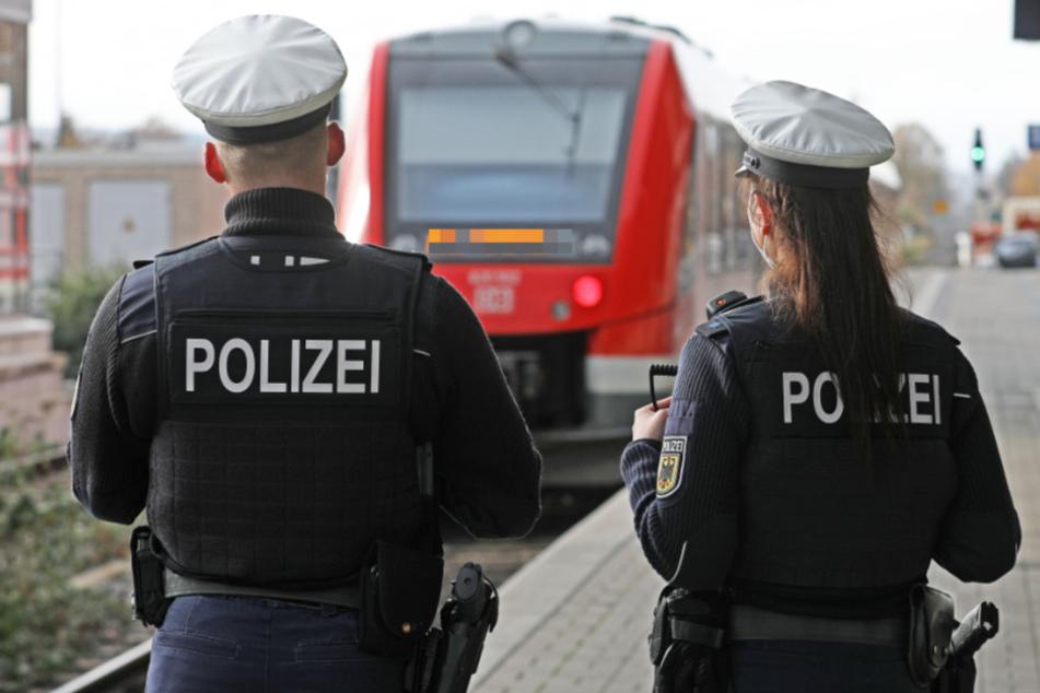 Die Bundespolizei nahm den betrunkenen Schwarzfahrer in Schutzgewahrsam. (Symbolbild)