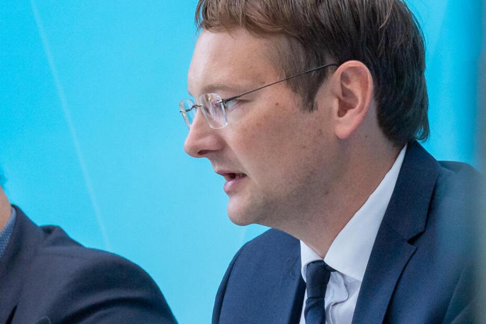 Bayerns Verkehrsminister Hans Reichhart (CSU) begrüßt den digitalen Abbau der Bürokratie.