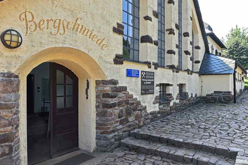 Der Eingang zum Besucherbergwerk im Altenberger Ortsteil Zinnwald.