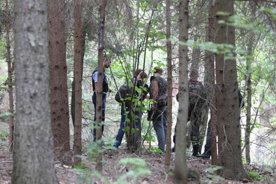 Rettungskräfte suchten über sechs Stunden nach dem vermissten 15-Jährigen.