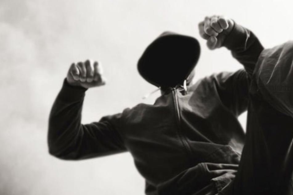 25-Jähriger bei Überfall in Unterführung verletzt