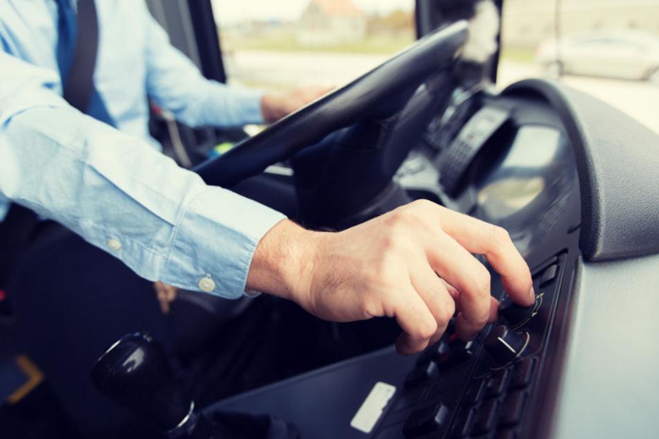 Der Busfahrer musste nach der Trunkenfahrt seinen Führerschein abgeben. (Symbolbild)