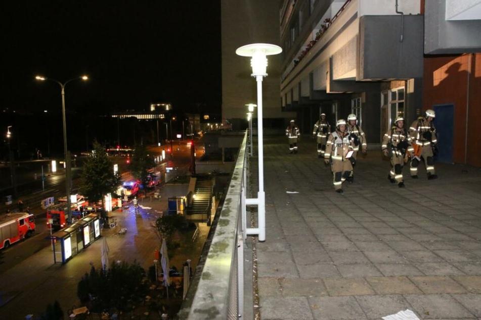 In einem Hochhaus in Berlin-Mitte hat es in der Nacht zu Freitag gebrannt.