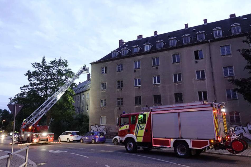 Die Feuerwehr musste am Montagabend in die Carl-von-Ossietzky-Straße ausrücken.