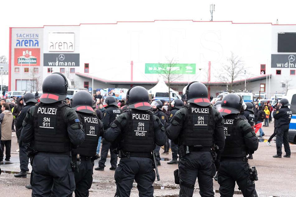 Ein Polizei-Großaufgebot sicherte die Veranstaltung.