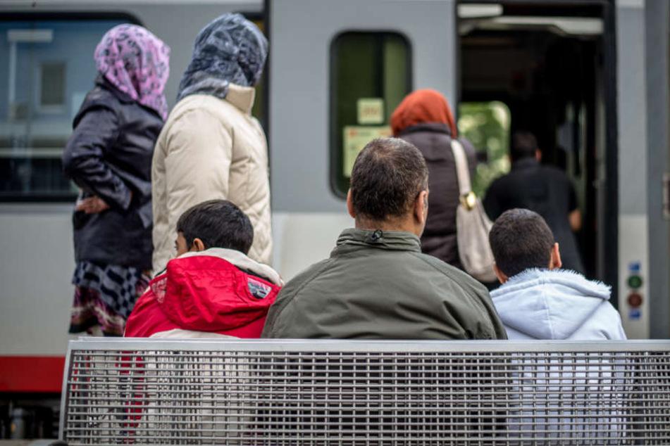 Damit die Verwandten der Flüchtlinge nach Deutschland kommen konnten, gaben zahlreiche Bürger eine Verpflichtungserklärung ab.