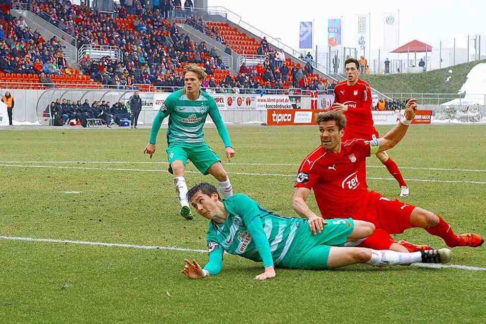 So erzielte Ronny König das 1:0 für den FSV, Dominik Volkmer kam zu spät.