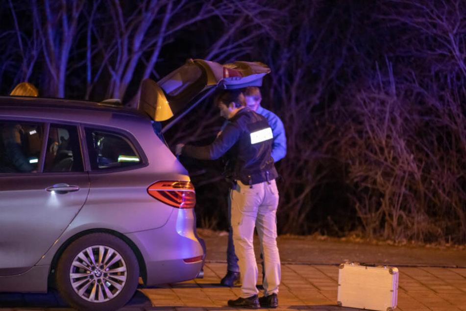 Die Polizei geht von einer Tötung aus - die Mordkommission ermittelt.
