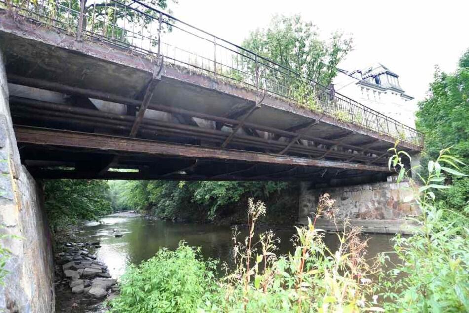 Ab Montag wird die Brücke an der Eckstraße abgerissen. Die Arbeiten dauern bis 28. August an.