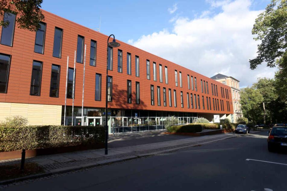 """Das Justizzentrum Chemnitz - hier galt die Münze als nicht zuzuordnende """"Fundsache"""", so dass sie zur Versteigerung kam."""