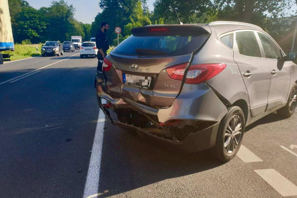 Bei einem Autounfall auf der L20 bei Groß Glienicke wurden drei Personen verletzt.