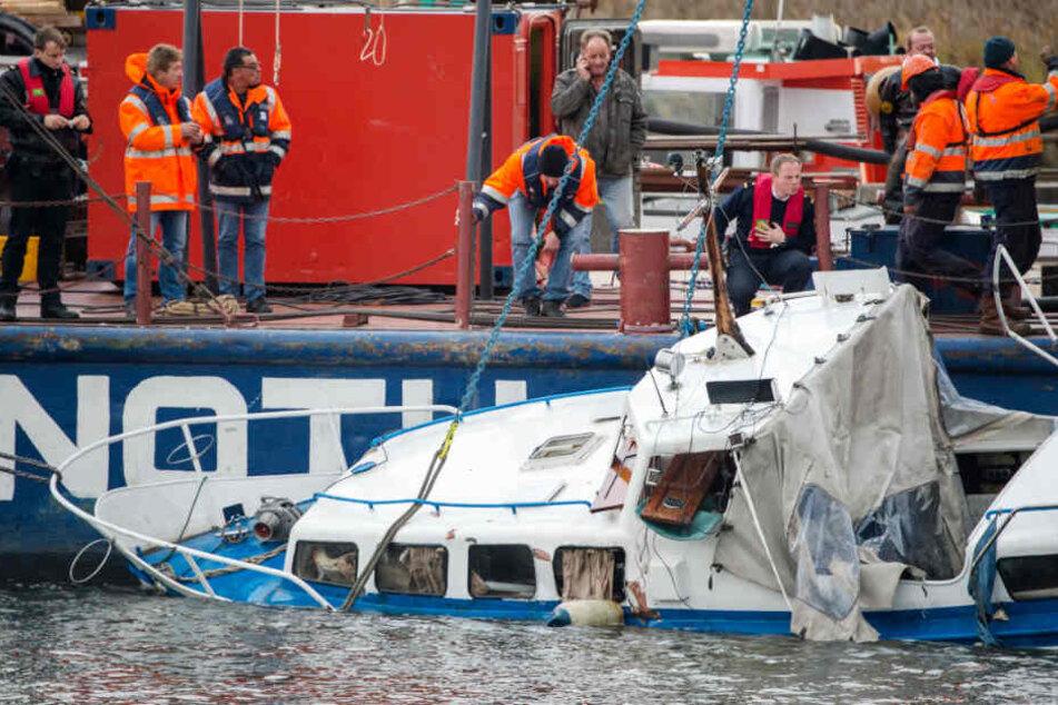 Im November 2016 erfasste ein Binnenschiff ein Sportboot auf der Elbe in Hamburg, dabei wurde ein Skipper getötet.