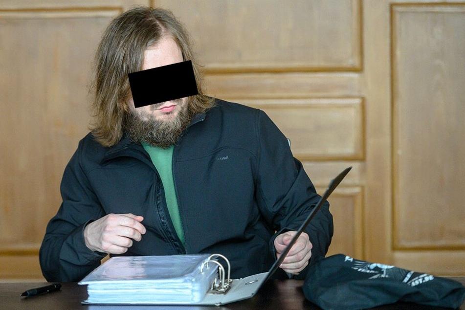 Markus Stefan S. (43) aus Glauchau droht wegen Herbeiführens einer Sprengstoffexplosion eine Gefängnisstrafe.