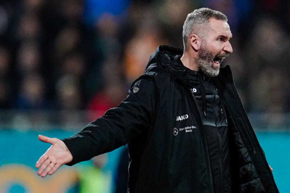 VfB-Trainer Tim Walter steht stark in der Kritik.