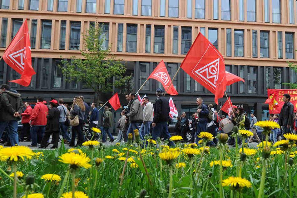 Mitglieder des Deutschen Gewerkschaftsbunds und die Leipziger Linke rufen am Maifeiertag zur friedlichen Demonstration auf und laden anschließend zu einem Hoffest.