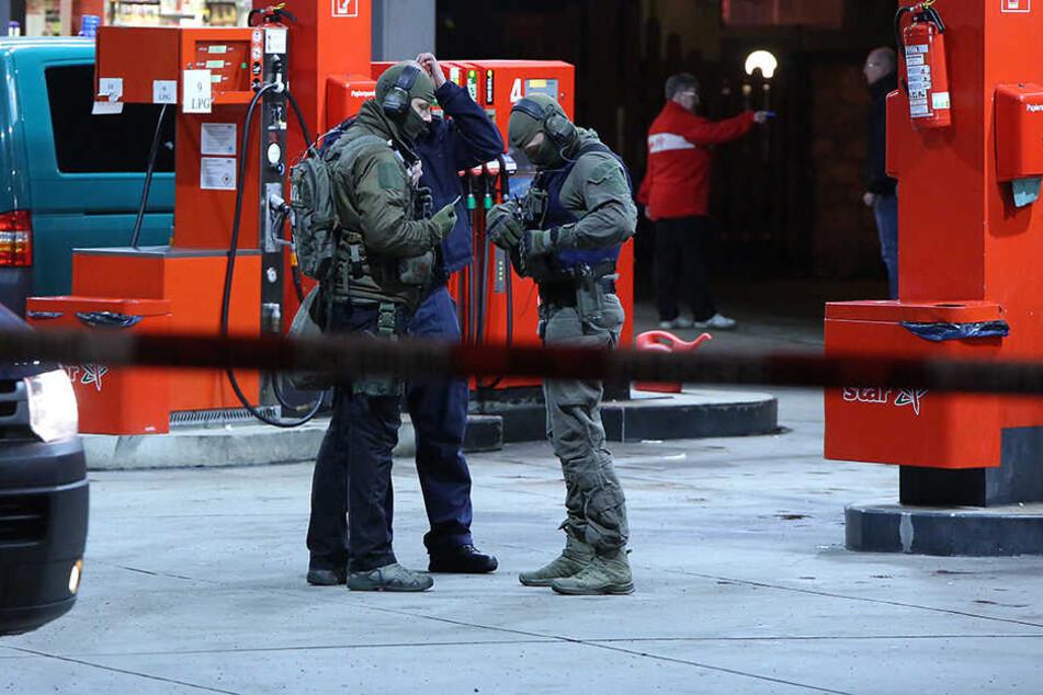 Auch bei Überfall Nummer vier, auf die Tankestelle an der Dohnaer Straße, entkam die Täterin der Polizei.