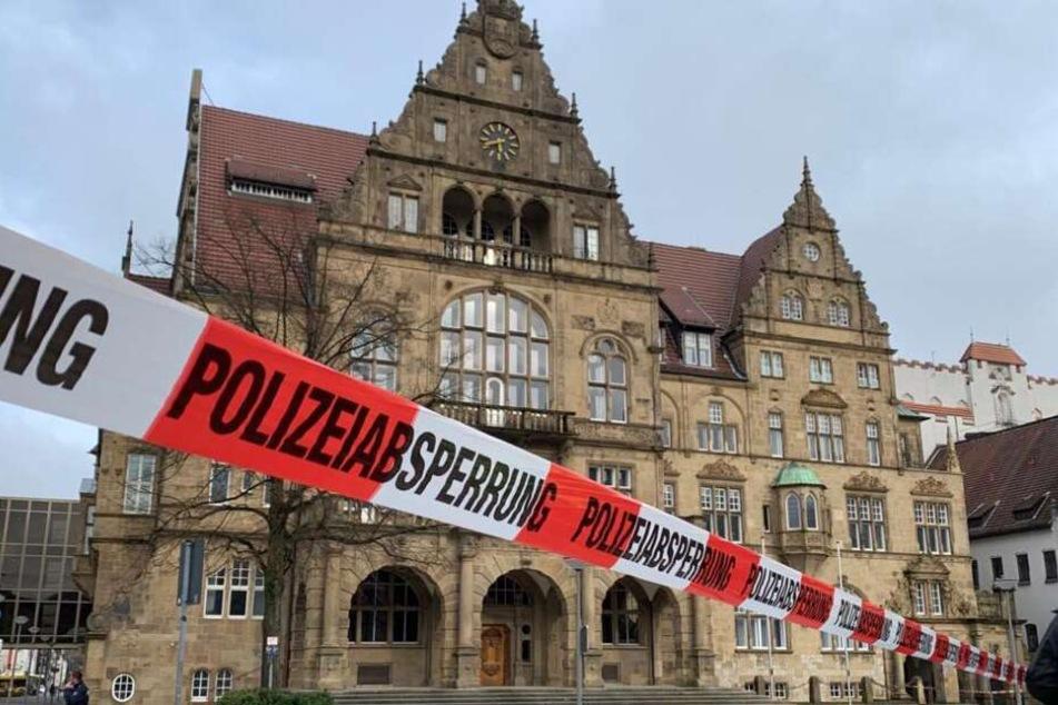 Das Alte Rathaus wurde evakuiert.