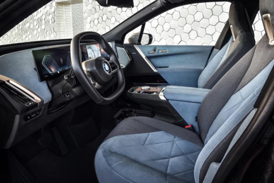Der Innenraum des BMW iX. Das Auto soll zum Wohnzimmer werden.