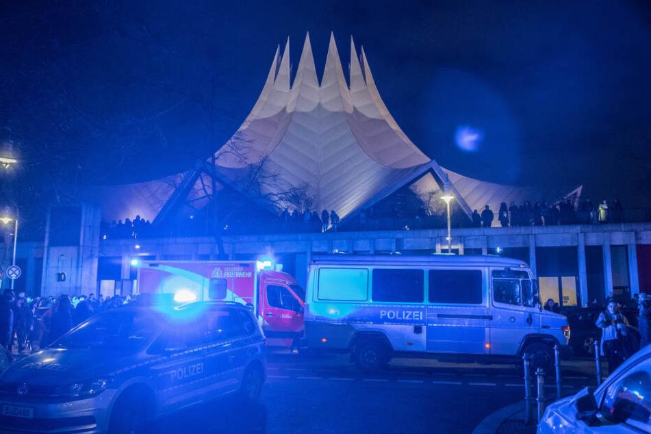 Vor dem Berliner Tempodrom wurde am Freitagabend ein Mann erschossen.