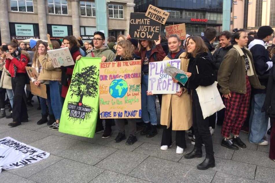 Auch in Köln demonstrierten knapp 200 Teilnehmer für Klimaschutz.