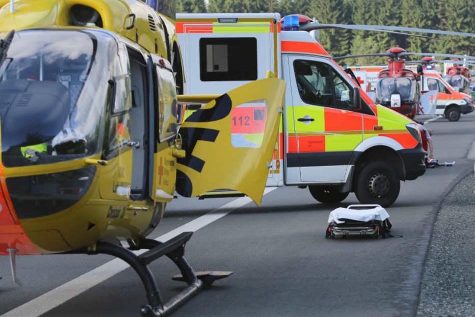 In Bayern kam es zu einem schweren Verkehrsunfall. (Symbolbild)