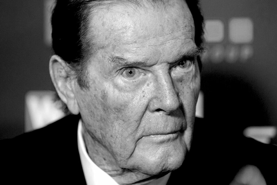 Roger Moore (89) verstarb am Dienstag in der Schweiz.