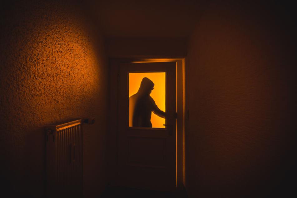 In gleich mehrere Gebäude drangen Einbrecher in Dresden ein. (Symbolbild)