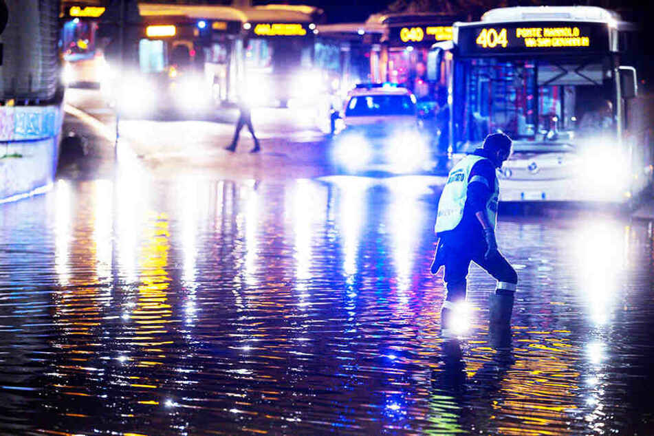 Heftige Unwetter in Italien: Tote nach Erdrutsch!