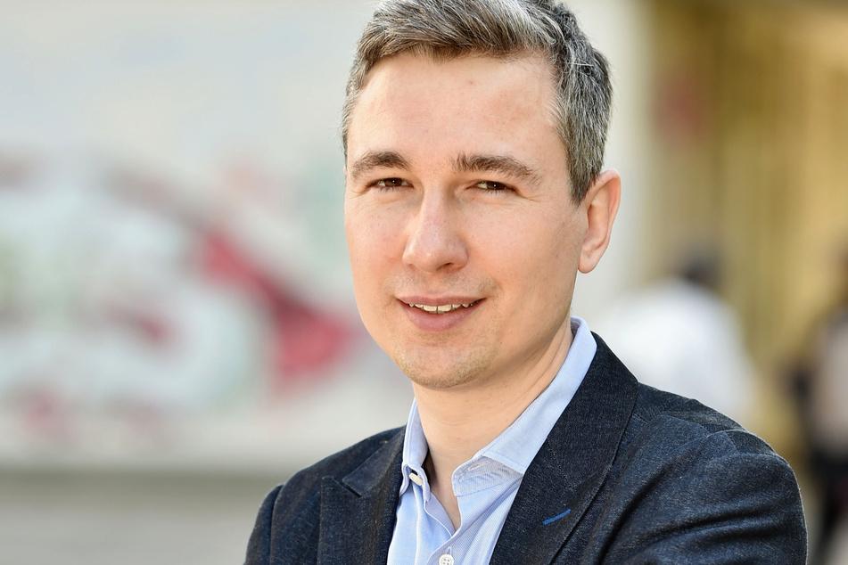 Baubürgermeister Stephan Kühn (41, Grüne) ist froh über die Wiedereröffnung des Pavillons.