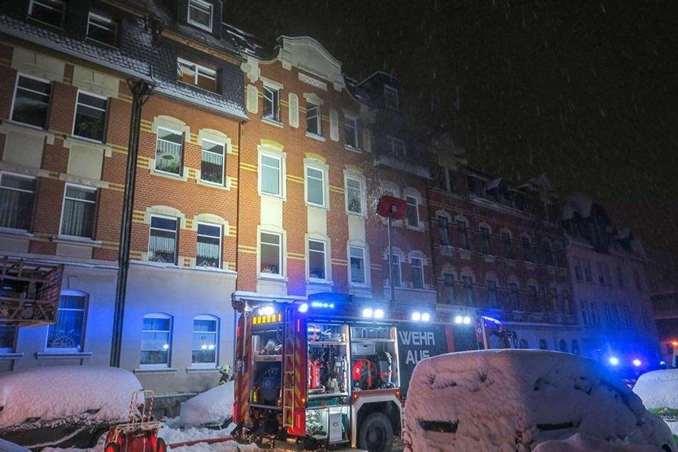 Brand in der Auer Lindenstraße: Die Freiwillige Feuerwehr hatte das dramatische Geschehen schnell im Griff.