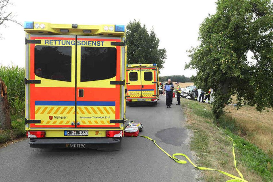 Rettungsdienst und Polizei eilten zur Unfallstelle.