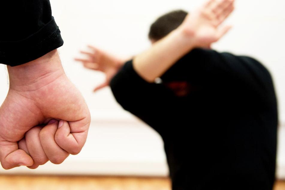 Meist ist die Frau das Opfer, doch in diesem Fall richtete sich die Gewalt gegen den Mann. (Symbolbild)