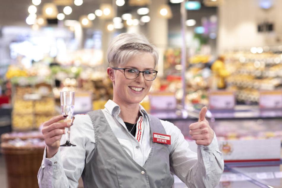 Marktleiterin Katja Werner hat für den 17. Mai schon alles vorbereitet.