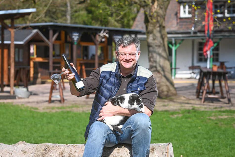 Ruhe vor dem Ansturm: Hofewiese-Wirt Holger Zastrow freut sich auf die Gäste am Wochenende.