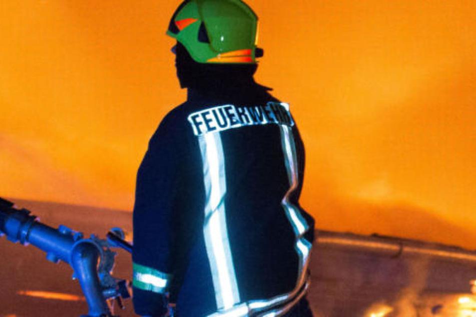 Großbrand in Kunststofffabrik im Münsterland