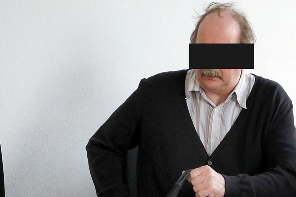 """Vogtländer sorgt seit Jahren für Ärger: """"Ministerpräsident"""" pöbelt vor Gericht"""