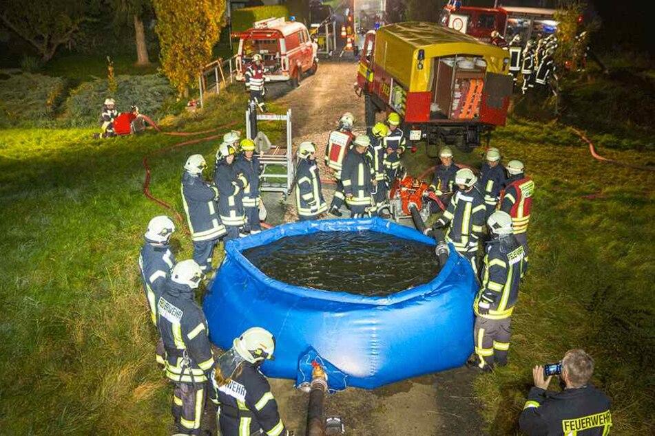 Sieht aus wie ein Pool, ist aber nicht zum Planschen geeignet. Die Feuerwehr Schönteichen hat einen mobilen Löschteich.