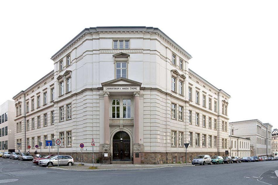 Das Leipziger Uniklinikum war komplett überfüllt. Da war für eine 87-Jährige an Komfort nicht zu denken.