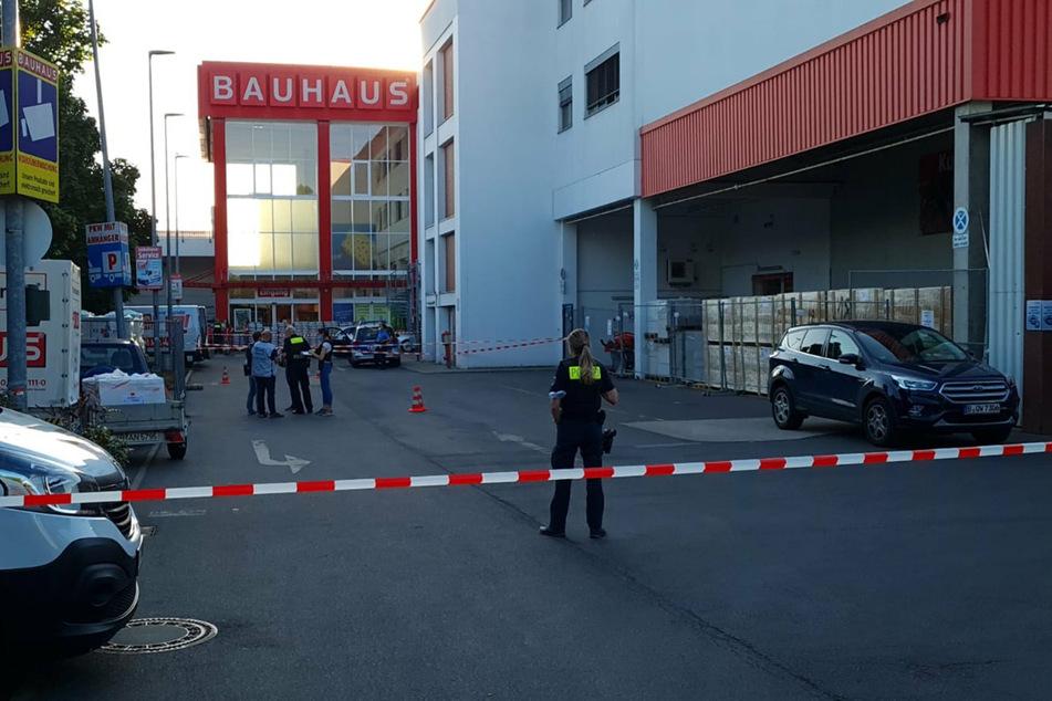 Polizei und Feuerwehr rückten zu einem Großeinsatz in Berlin-Wedding aus.