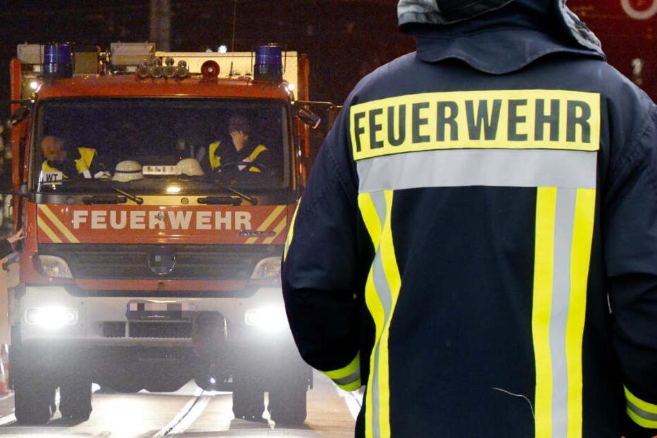 Kurz nach null Uhr wurde die Feuerwehr zum Einsatz gerufen (Symbolbild).